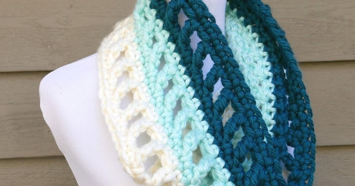 Fiber Flux: Free Crochet Pattern...Wintergreen Ombre Cowl!