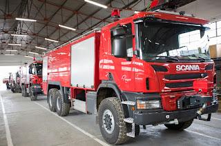 Νέα πυροσβεστικά οχήματα και αντικατάσταση του εξοπλισμού πυροσβεστικού προσωπικού από την Fraport στο αεροδρόμιο Μυτιλήνης (pics)
