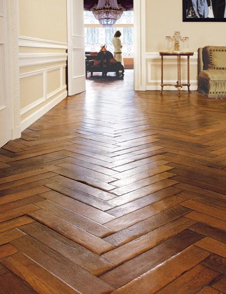 Herringbone make your everyday tile extraordinary cozy for Exquisite laminate flooring
