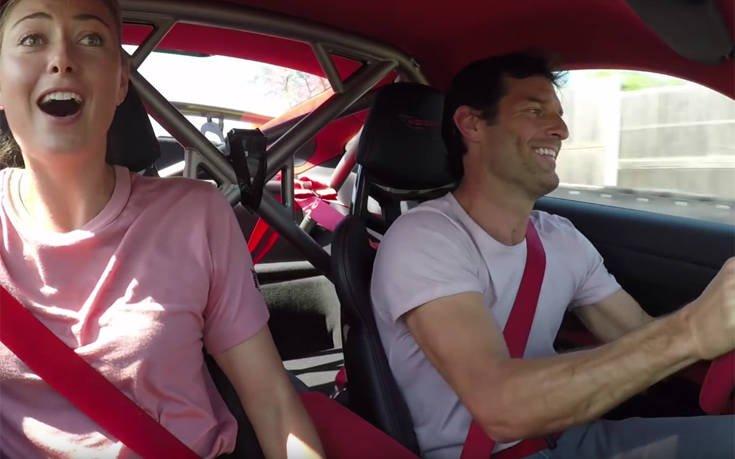 Ο Μαρκ Γουέμπερ πάει… βόλτα τη Μαρία Σαράποβα και εκείνη τα βλέπει όλα. Δείτε το βίντεο με τους δύο σταρ μέσα σε μια Porsche 911 GT2 RS
