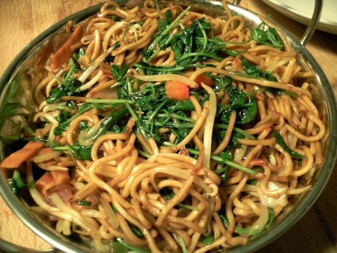 Noodles and Vegetables with Chilli Bean Sauce