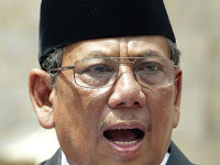 KH Hasyim Muzadi Minta Waspadai Syi'ah, Wahabi, HTI, IM, Komunis dan Liberal