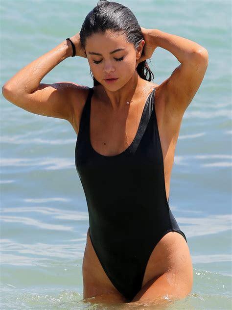 Top 99+ Hot & Sexy Selena Gomez Pictures