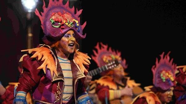 Guillermo Cano abandona la comparsa de los hermanos 'Carapapa'