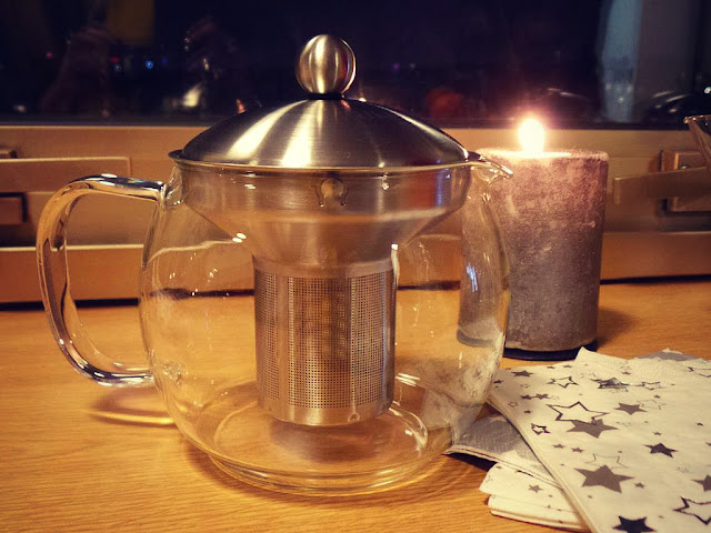 Gouter de noël thé Dammann Frères gelée de thé teatime cilia accessoires théière filtre à thé Senoble patisserie buches de noël salon de thé