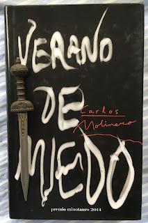 Portada del libro Verano de miedo, de Carlos Molinero