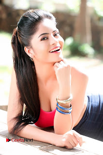 Actress Gehana Vasisth Latest Pictureshoot Gallery  0012.JPG