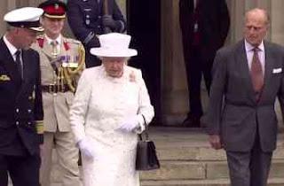 Königin Elisabeth ll von Deutschland bei einem Besuch ihrer Heimat