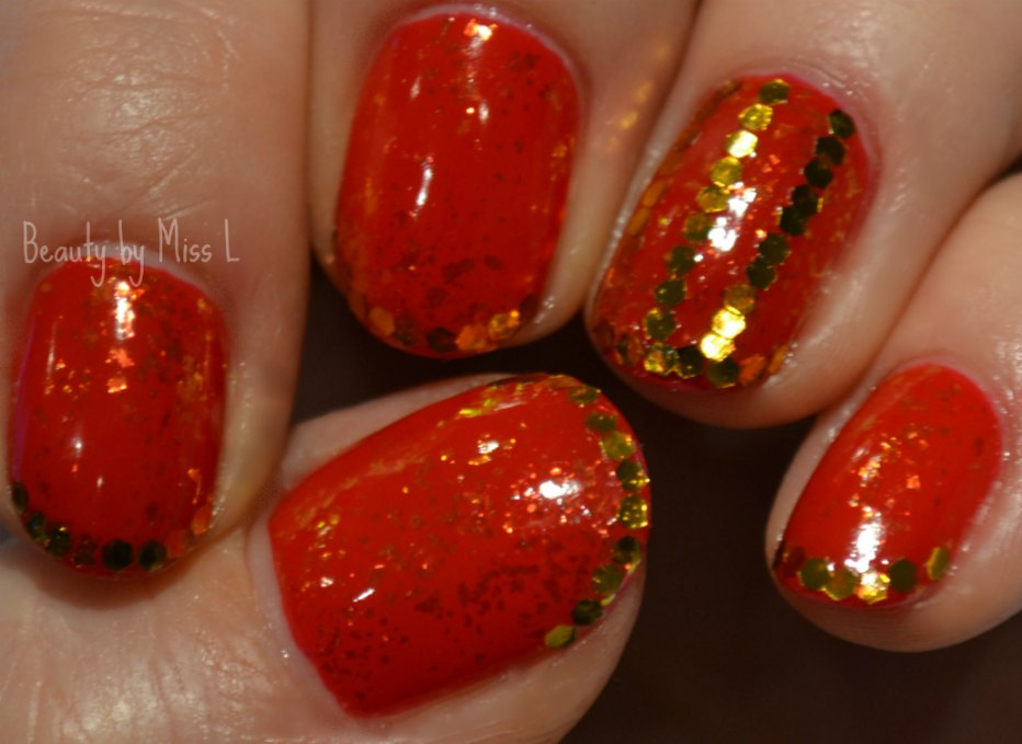 Christmas manicure, holiday nails