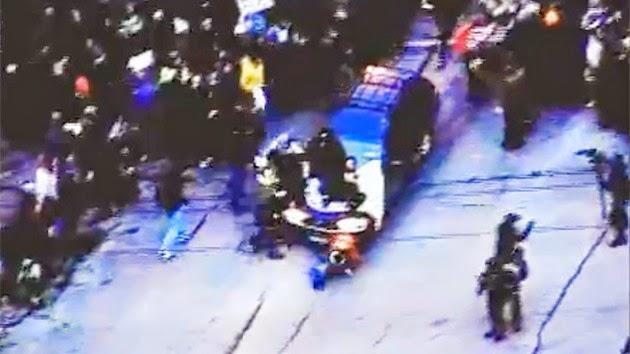 Auto Atropella Brutalmente a manifestantes