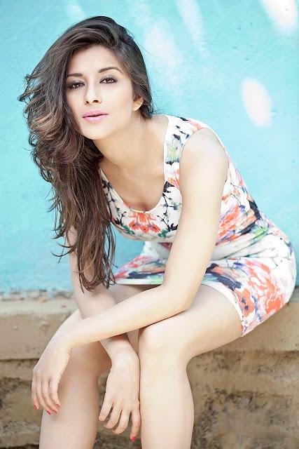 Actress Madhurima H0t photoshoot