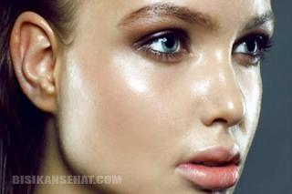 5 Tips Cara Mengatasi Kulit Wajah Berminyak Secara Alami