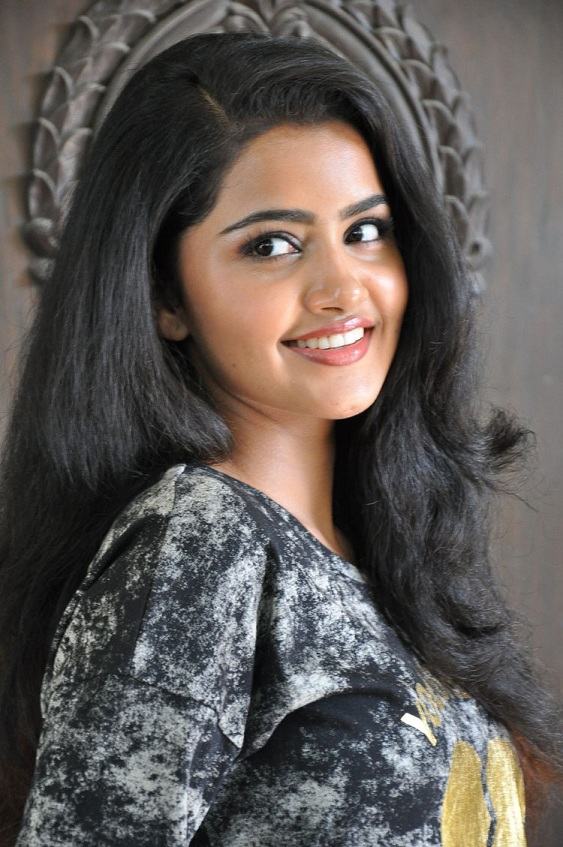 Anupama Parameshwaran Stills In Black T Shirt Jeans