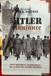 Portada del libro Hitler triunfante, de varios autores