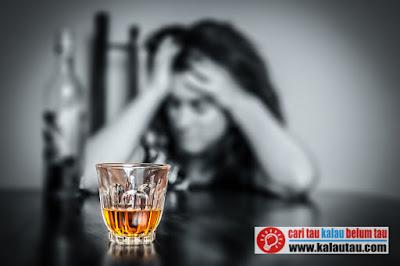 kalautau.com- mengkonsumsi alkohol dalam jumlah yang kecil, alkohol bisa menimbulkan perasaan nyaman