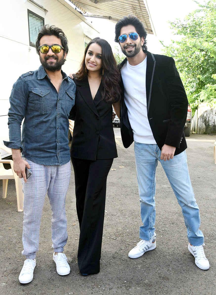 Shraddha Kapoor Promotes 'Haseena Parkar' on Dance Plus Season 3