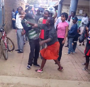 OMG!!! WOMAN PUNCHED A MAN AT A MARKET PLACE - WHAT HE DID NEXT WILL SHOCK YOU (VIDEO)