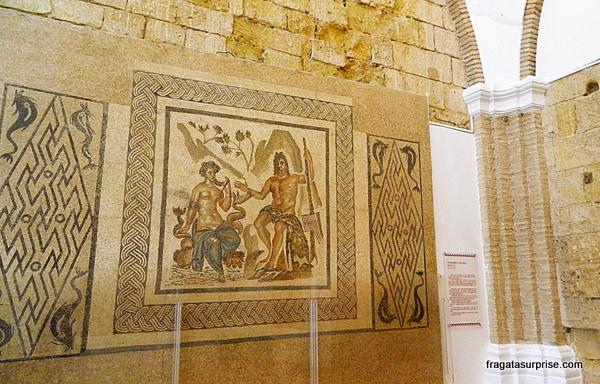 """""""Polifemo e Galatea"""", mosaico romano exposto no Alcázar de Córdoba"""