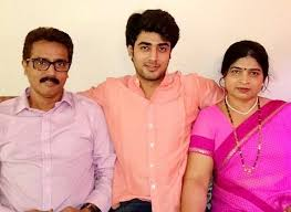 Akshay Mhatre Family Wife Son Daughter Father Mother Age Height Biography Profile Wedding Photos