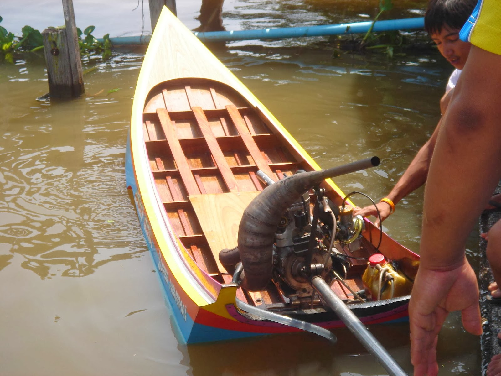 Bikin Motor Balap Perahu Drag Thailand
