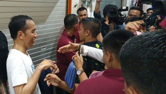 Curhat Jokowi Elektabilitasnya di Jabar Turun 8 Persen Karena Hoax