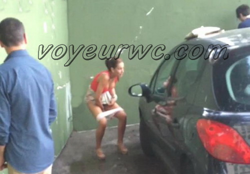 Girls Gotta Go 36 (Voyeur pee videos - Drunk spanish chicks peeing in public at festival)