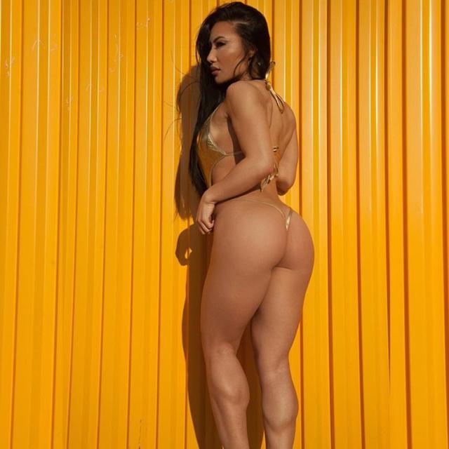 IFBB Fitness Model Tanya Voshell