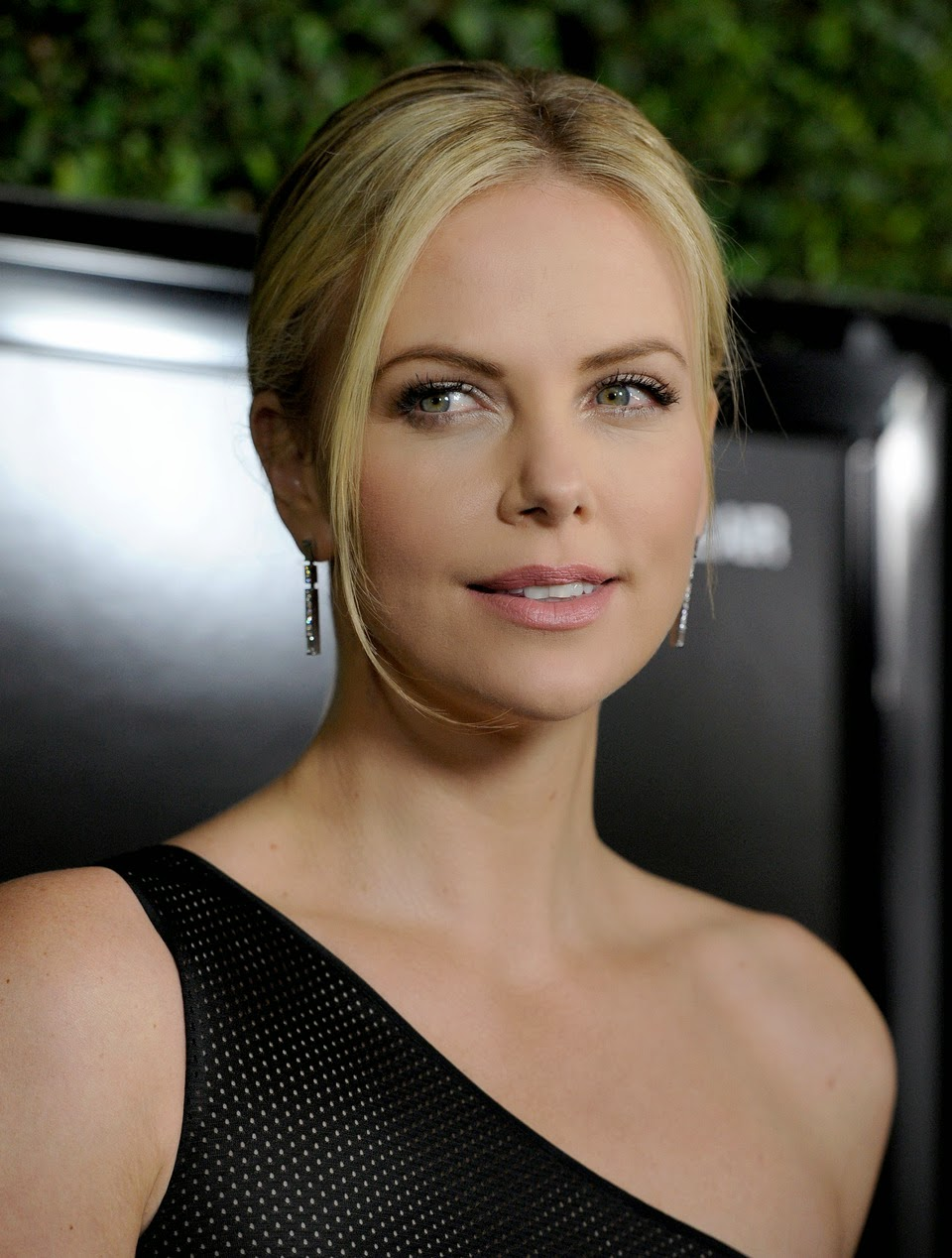 charlize theron - photo #41