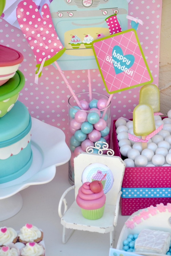 A Very Sweet Pink Cupcake Baking Birthday Party Party ...