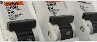 Dimensionnement des disjoncteurs miniatures adaptés pour des onduleurs sous l'influence d'effets photovoltaïques spécifiques