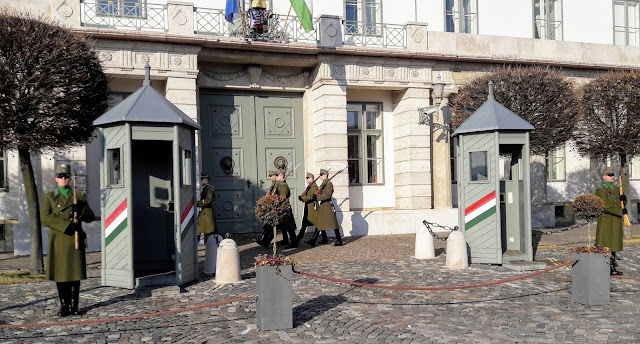Unkarin presidentin virka-asunto Sandor-palatsi