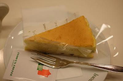 京都の喫茶店 INODA COFFEE(イノダコーヒ)三条支店 チーズケーキ
