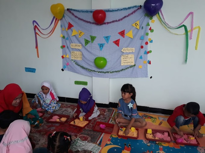 Festival Ragam Main dan Aplikasi Metode Montessori ala Mahasiswa PIUAD IPMAFA