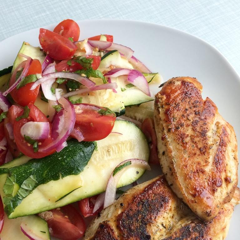 Mmi, Mittwochs mag ich, Rezept, low carb, Salat, Zucchini, Zucchinisalat, fettarm, fettarmes Essen