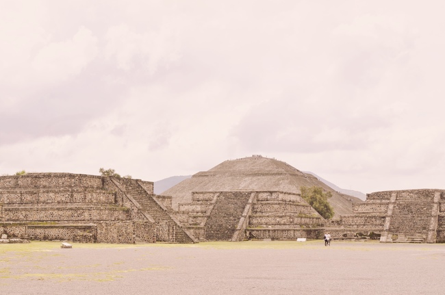 Visiting Teotihuacan Mexico City Day Trip plaza of the moon