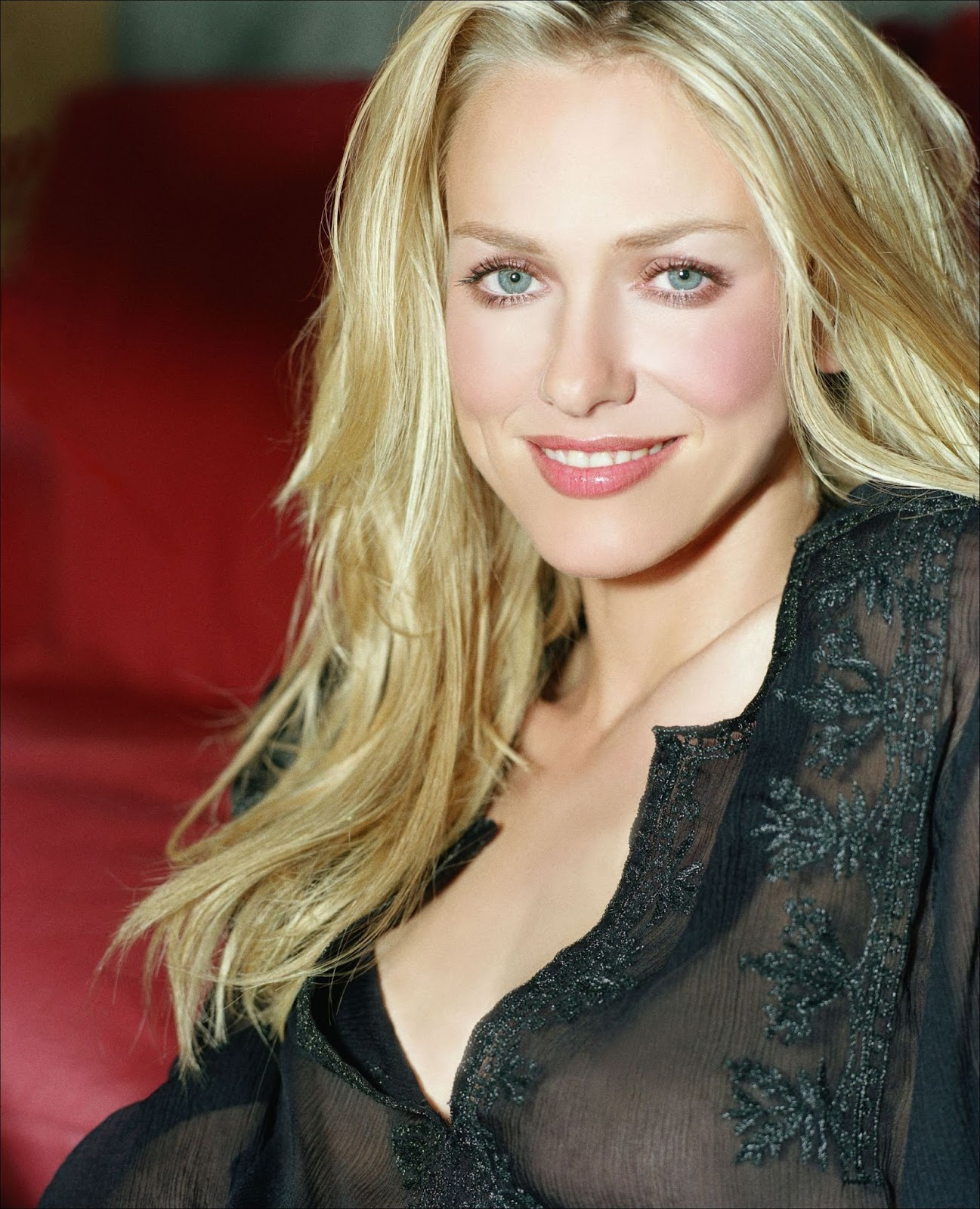 Naomi Watts makes out with co-star | InstaMag
