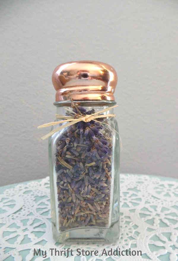 The 15 Minute Fix: Repurposed Salt Shaker Essential Oil Diffuser mythriftstoreaddiction.blogspot.com