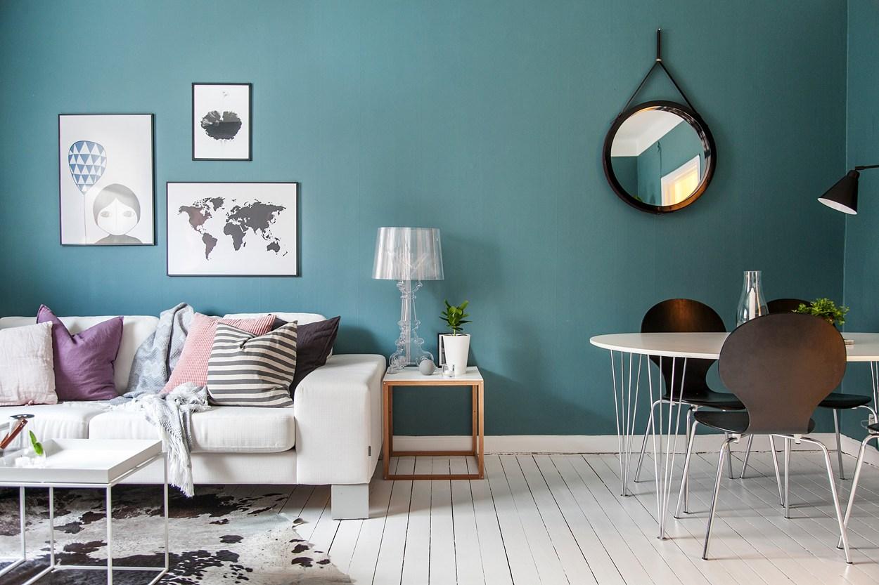 Albastru și roz într-un apartament de 44 m² din Suedia