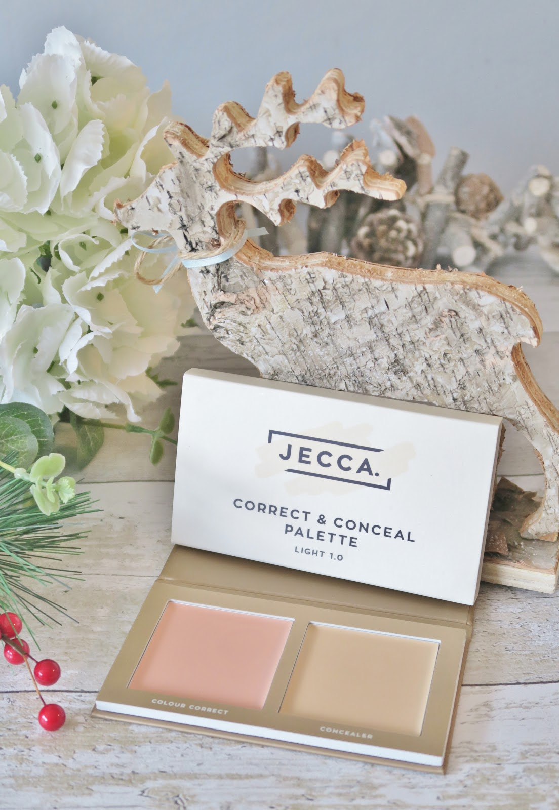 Natural & Organic Christmas Gift Guide - This Natural Bee - JECCA Makeup