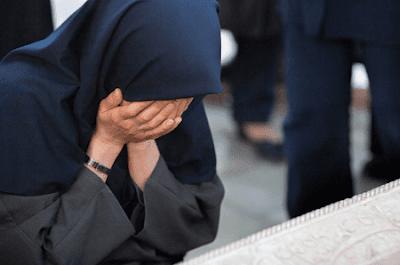 Kumpulan Puisi Renungan Dosa Islami Renungan Diri Sedih Menangis Karena Dosa