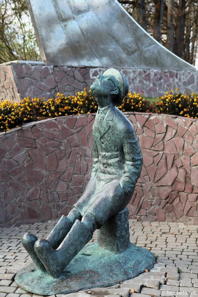 памятник циолковскому боровск