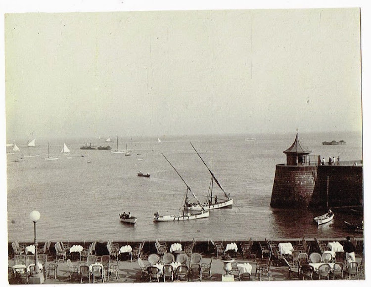 Bombay Yacht Club Terrace - c1905