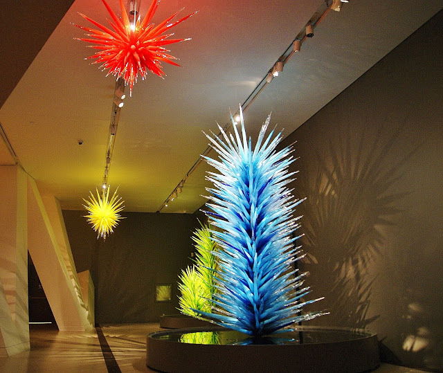 Chihuly, ROM, Royal Ontario Museum, Toronto, Exhibit, exhibition, culture, art, artmatters, glass blowing, american, sculptor, canada, the purple scarf, melanie.ps, Icicle Chandeliers and Towers
