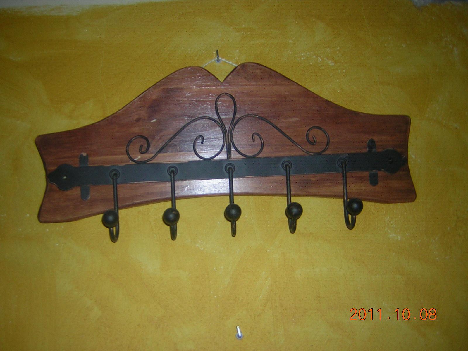 Madera estilo rustico percheros rusticos - Percheros de madera rusticos ...