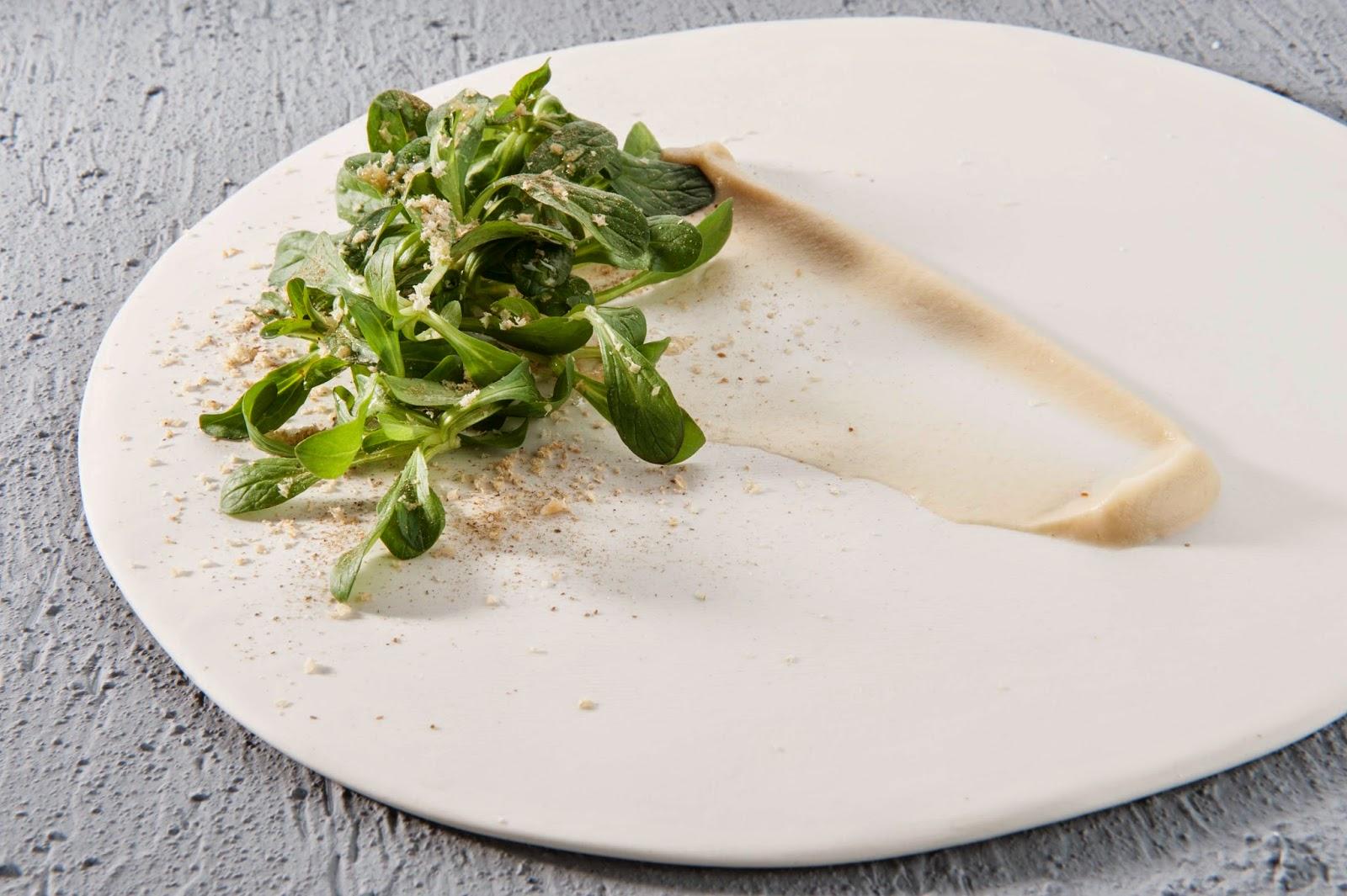 Insalata di valeriana, sedano rapa e nocciole delle Langhe- Antonia Klugmann