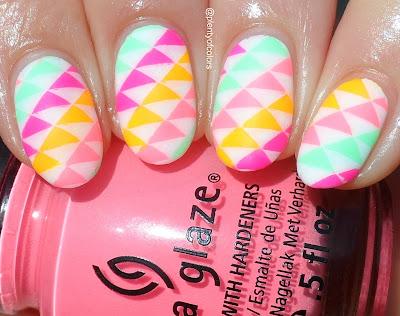http://plenty-of-colors.blogspot.de/2016/08/stamping-sonntag-neon-dreiecke.html