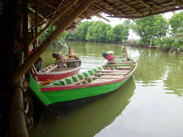 Ekowisata Mangrove ke Masjid Al-Alam Muara Blacan Bekasi