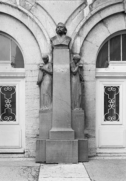 Monument à Auguste Chauveau, Lyon 9