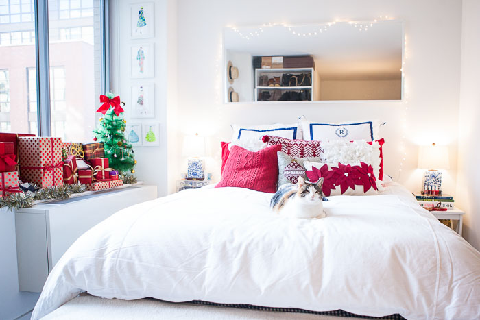 Tips For Decorating Small Es During The Holidays New York City Fashion And Lifestyle Blog Covering Bases