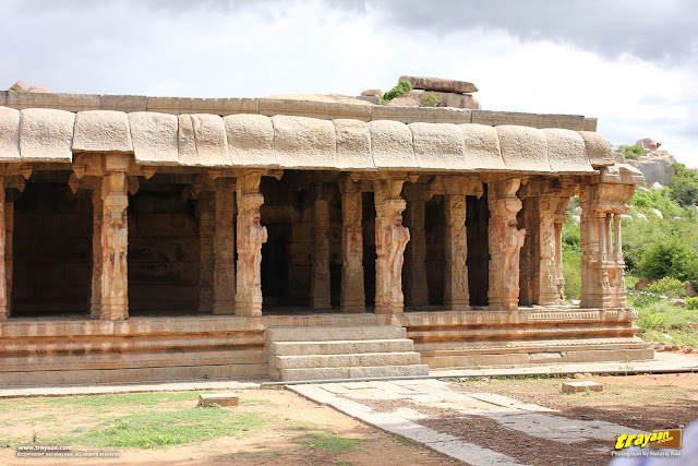 Kudure Gombe mandapa of Hampi